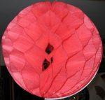 Darázsfészkes gömb, papír  40 cm piros