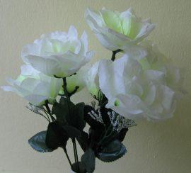 Rózsacsokor 7 virággal fehér