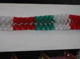 Nemzeti színű,  tömött,  sűrű,  papír  girland 3 m-es
