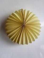 Papír lampion, 22 cm-es nehezen gyulladó pasztell sárga