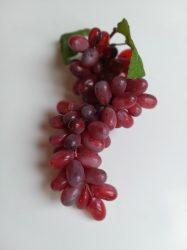 Hosszúkás szemű  lila szőlő (85sz)