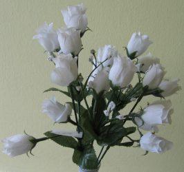 Bimbós rózsacsokor 18 bimbóval fehér (mű)