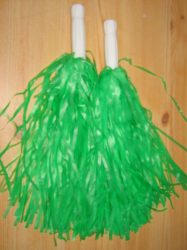 Pom pom zöld színben, nyeles