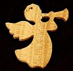 Angyal trombitával cseresznyefából