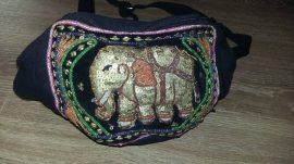 Elefántos övtáska