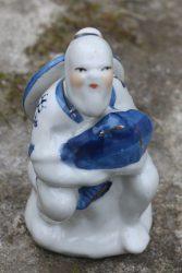 Szobor, porcelán halász